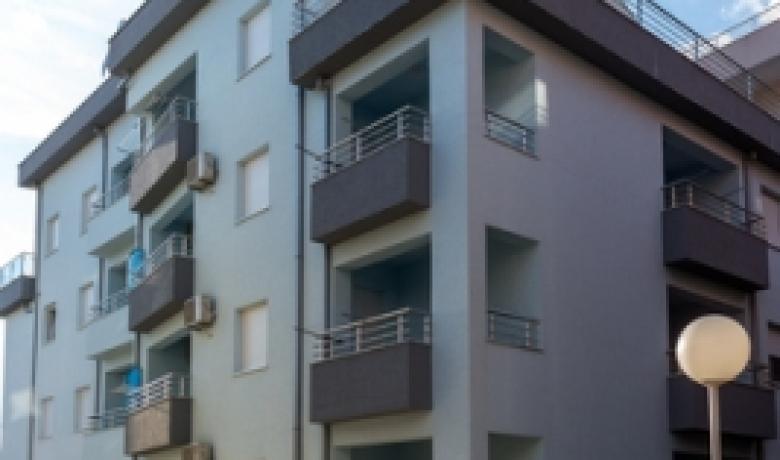 Porodicna kuca Barovic, Bečići, Apartmani