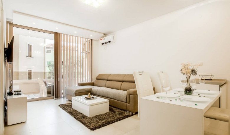 Lux Apartment Teodora Rafailovici 4*, Rafailovići, Apartmani