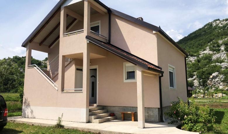 Vila Fara, Grahovo, Apartmani