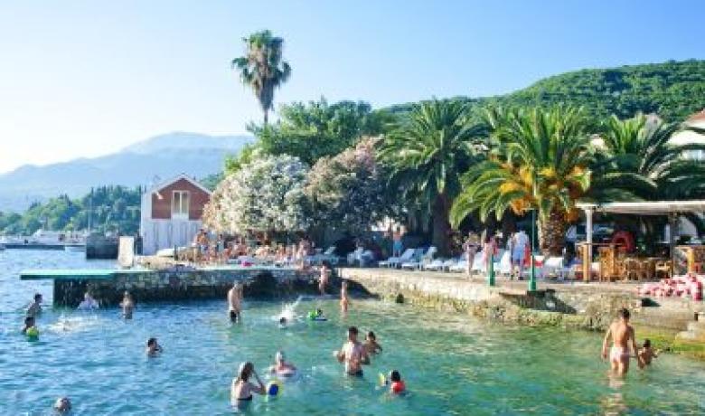 Apartmani Kumbor Letovanje Crna Gora Privatni Smestaj