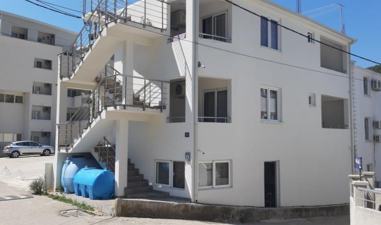 Kuća Djordjević, Čanj, Apartmani