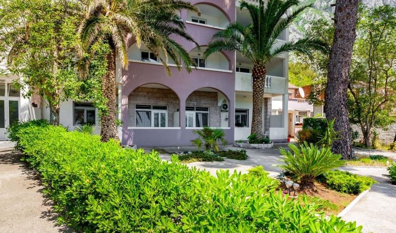 Vila Popovic Apartmani, Kotor, Apartmani