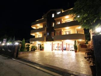 Villa Jupok 2, Bar