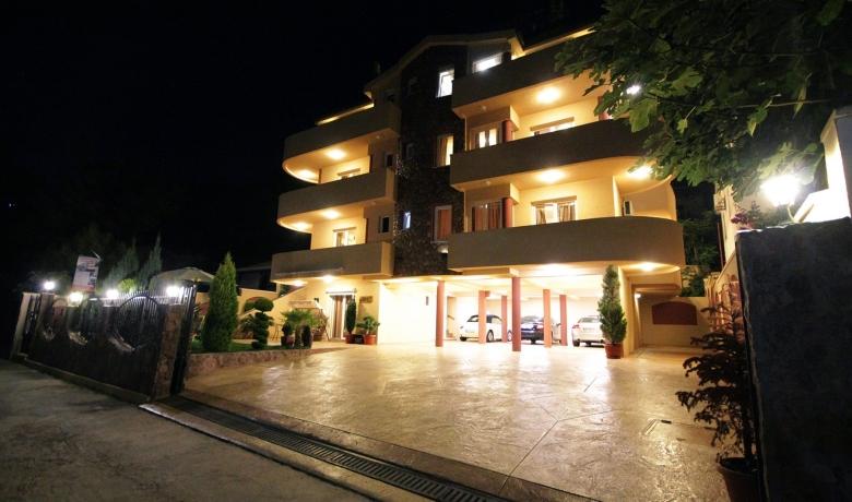 Villa Jupok 2, Bar, Apartmani