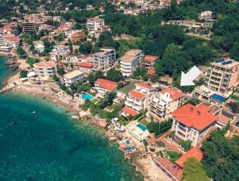 Vila Fortuna, Sutomore